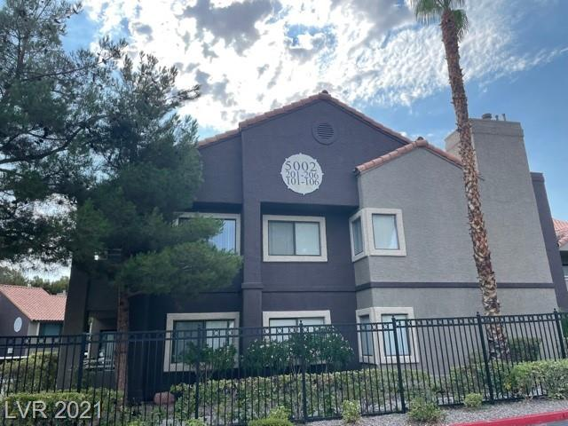 Spacious 3 Bedrooms, 2 Full Bathrooms with close proximity to Spring Valley Hospital, McCaran Int. Airport, and the Strip. Balcony opens up from Master Bedroom. Home and Carpets cleaned professionally. Vizcaya offers a Clubhouse with Exercise Room, 2 Tennis Courts, 6 Pools and 4 Spas.
