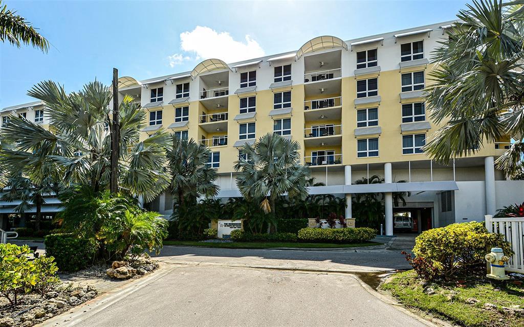 915 Seaside, Weeks 52-1 Drive 613, Sarasota, FL 34242