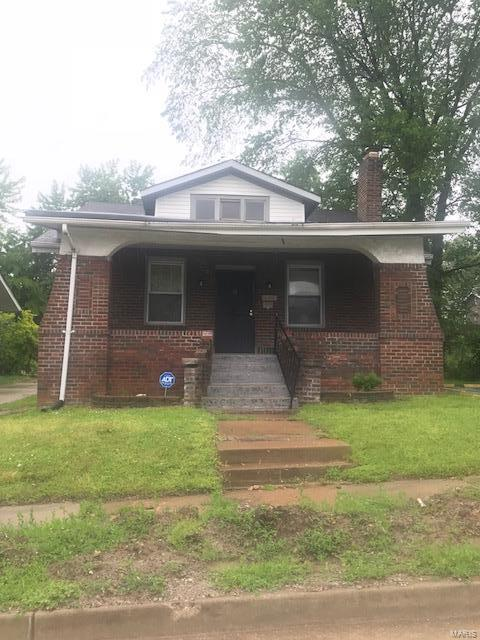 GREAT INVESTMENT PROPERTY. HOME SOLD IN AS IS CONDITION.  This home may be purchased as a package deal. See additional MLS listings... 19035439, 19035435, 19035431,19035428, 19035425, 19036318 .