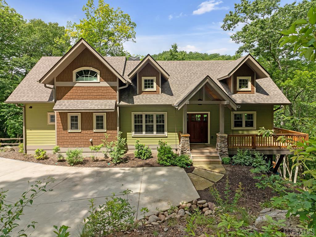 4129 Lake Forest Drive, Tuckasegee, NC 28783