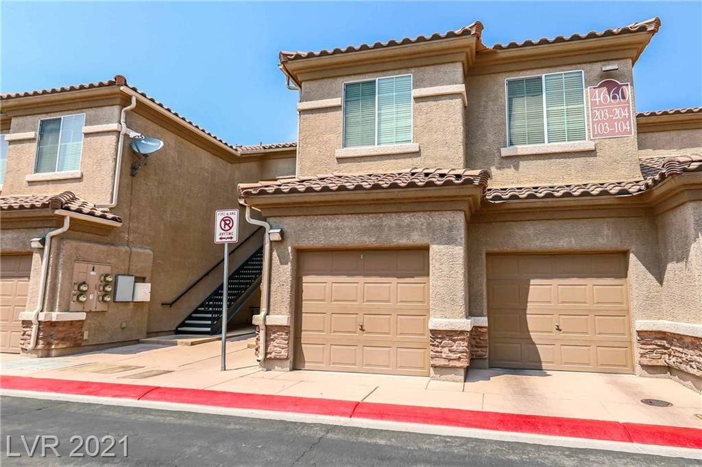 Nice condo in Terrasina community with garage entrance. Located in the heart of Aliante, conveniences nearby. Quick access to the 215. Community Pool, Basketball and more!