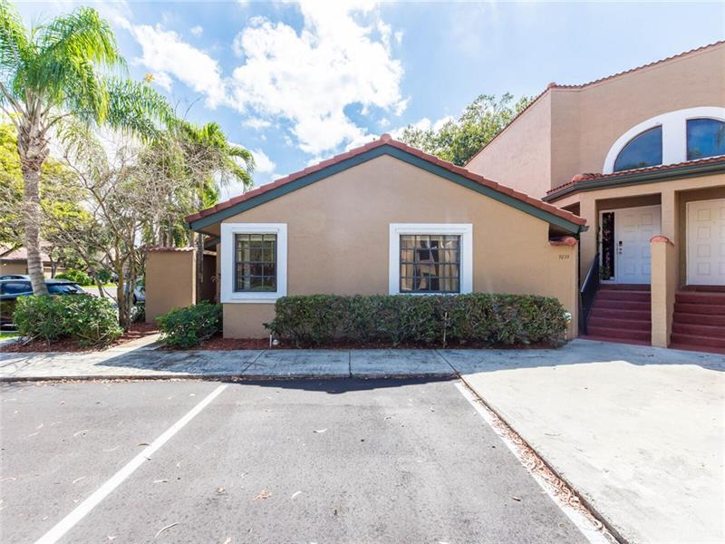 BEAUTIFUL!!   3 Bdrm/ 2 Bath Villa.     Vaulted Ceilings, laminated flooring in bedrooms, tiled flooring in rest of unit.  Both bathrooms have been updated, there is a eat-in kitchen area.  The enclosed patio is a nice way to relax and end your day.  Full size washer and dryer in unit, there are accordion shutters for those pesky hurricanes.  LOW maintenance!!  Maintenance staff is on site, so the community Always looks Premier.  Easy access to  595, Turnpike and Sawgrass.  Many restaurants, Drug stores and grocery stores are near-by. EASY ACCESS  SUPRA    ALL COMMUNICATIONS TO GO THRU  PAM ROBERTS  954-261-1575
