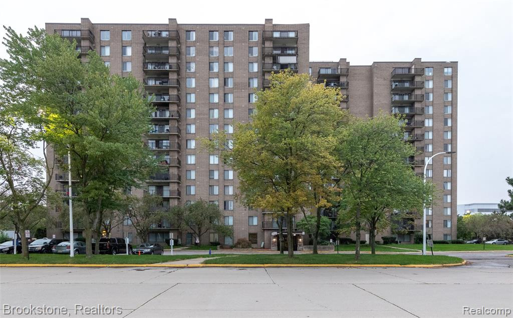 Live care-free in the heart of Southfield! Welcome to your newly updated 3 bedroom, 2 bath high-rise condo! You will love entertaining with this open layout. Enter into the spacious kitchen with stainless steel appliances, granite countertops and granite flooring. The kitchen is open to the dining room and living room. The door wall in the living room leads to your own private balcony with sunset skyline views. A full bath is convenient for guests and has granite flooring. The master suite consists of two oversized closets and en suite bathroom. Two additional bedrooms complete the condo. Laundry is on the same floor just a couple doors down. Large in ground common pool and fitness center. Perfectly located near freeways, Lawrence Tech University, Oakland Community College, Oakland Regional & Providence Hospital. Brand new furnace. Great potential for renting as well!