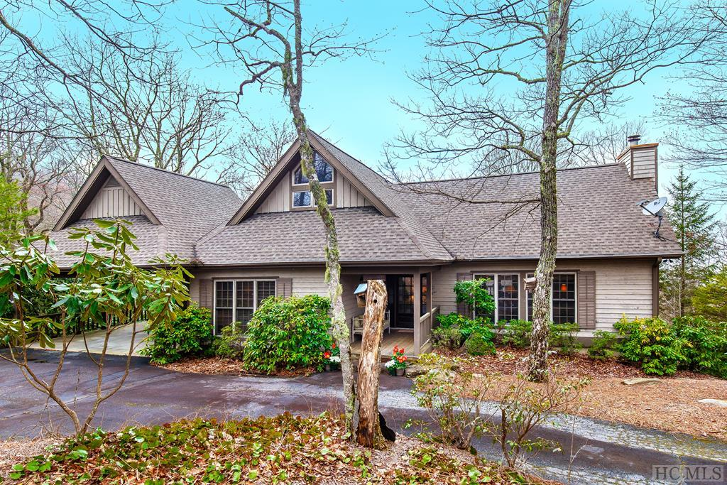 1655 Toxaway Drive, Lake Toxaway, NC 28747