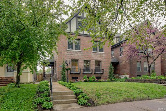 4736 Westminster Place, St Louis, MO 63108