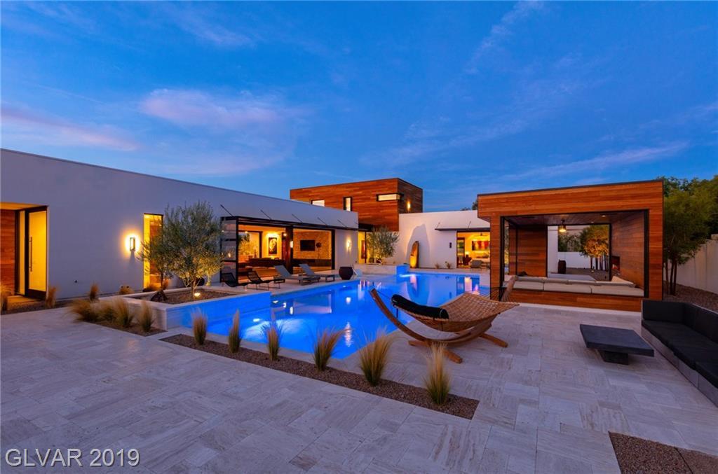 7030 SCHIRLLS Street, Las Vegas, NV 89118