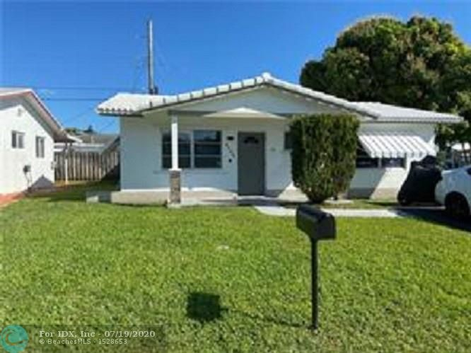 GREAT 2 BEDROOMS 2 BATHS HOUSE WITH A CLOSED IN FAMILY ROOM, OPENED KITCHEN. GREAT COMMUNITY OF TAMARAC LAKES. THE PROPERTY IS INA CORNER LOT, QUIET STREET. HOUSE FEATURES TILE THROUGHOUT, UPGRADED MASTER BEDROOM BATH. LAUNDRY ROOM, ROOF CONDITION IS GOOD. COMMUNITY FEATURES A LOW HOA THAT INCLUDES, SPARKLING BLUE POOL, CLUB HOUSE THAT CAN BE USED FOR EVENTS. HOA REQUIRES 45K MIN INCOME AND REQUIRES 5 YEARS WAITING PERIOD TO LEASE.