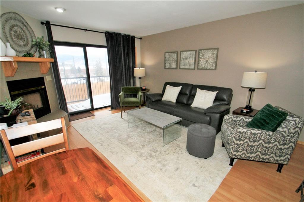 Cute and comfortable living area in this Frisco townhome