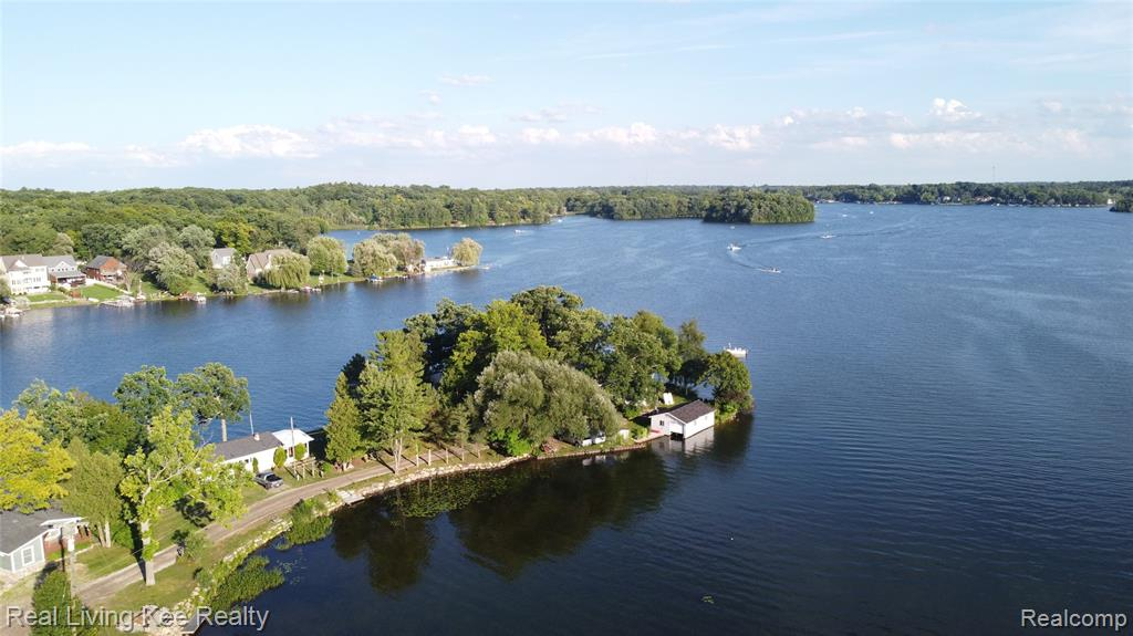 Location, Location, Location!  An amazing chance to own 2 lakefront homes next door for the one price of $850k.  Situated on a private road on the end of peninsula, 500 and 512 Deerpointe have the best views on All Sports Lakeville Lake.  With a combined 432 feet of water frontage, you'll have rare access to both sunrises, sunsets, and everything in between.  512 Deerpoint is a colonial, 3 bedrooms, 2 bathrooms, 2,228 sq ft.  Cantilever dock.  Diving board.  500 Deerpointe is a Bi-level,  4 bedrooms, 2 bathrooms, 2,377 sq ft.  Floor to ceiling windows in living room facing south.  Solid walkout basement.  Grandfathered boathouse.  Homes need updating.  Remodel or build.  Massive potential with endless possibilites.  Value is in the land.  Hidden gem!  Don't miss out! (500 Deerpointe Tax ID# 0522176009) (512 Deerpointe Tax ID# 0522176006)