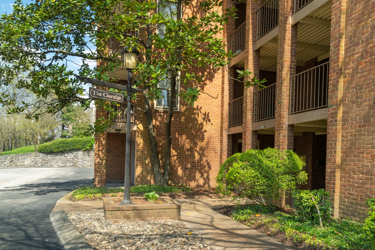 Rare find! End unit penthouse condo in the heart of Green Hills! Over $70k in renovations completed in 2016 - renovated kitchen & baths featuring granite, stainless steel appliances, hardwood floors, paint, crown molding & built in shelving! Step outside the French doors to enjoy your morning coffee on your private balcony. Elevator access! One of the few units w/ garage! Storage unit. Washer-dryer included. Easy access to I-440!