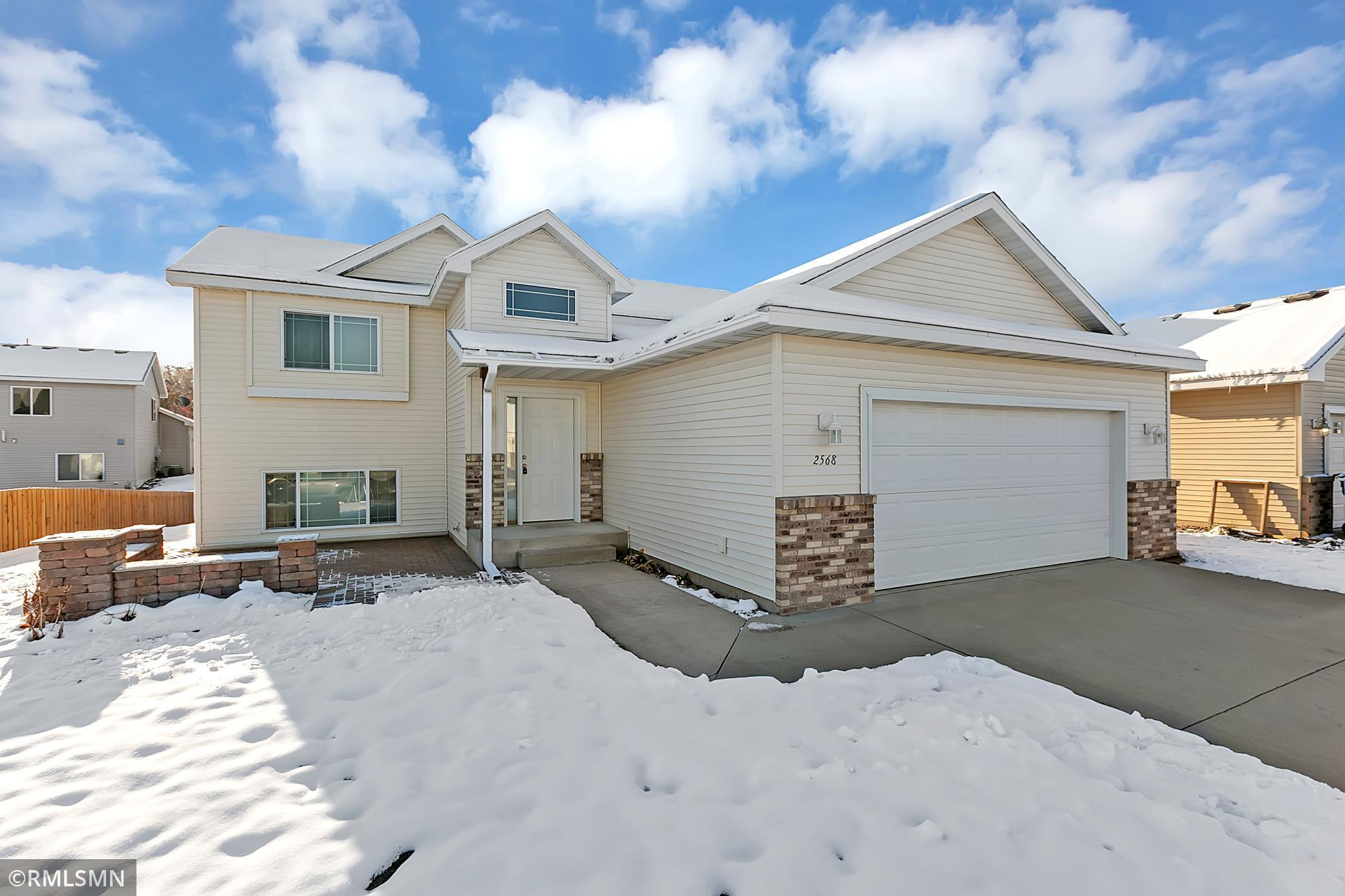 Well maintained bi level in popular South St Cloud neighborhood. Located near shopping and restaurants. Easy access to 15/I94. Basement is almost finished! Original features include custom raised panel cabinets, Thermotech windows, wood laminate floors, upgraded trim.