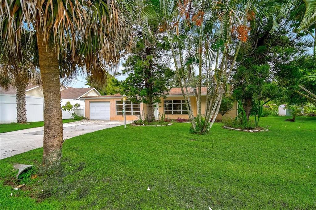 3771 Saint Charles Circle, Sarasota, FL 34233