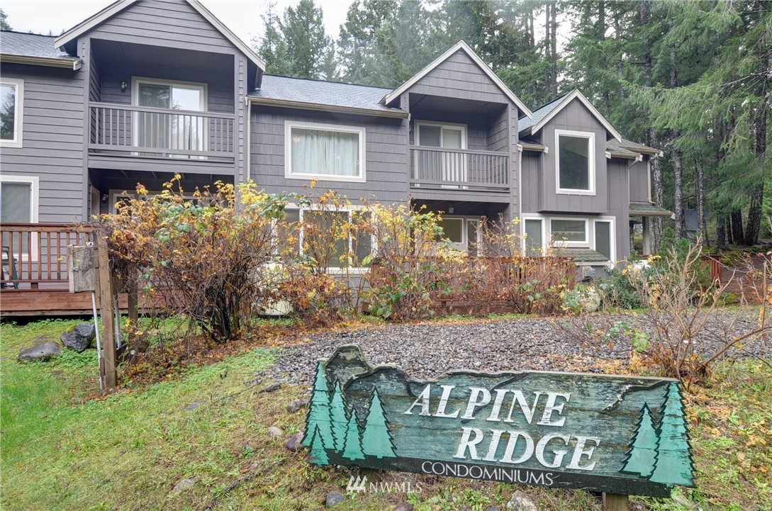Quality Built & Well Kept Alpine Ridge Condo in Timberline Village(Sports Courts, Clubhouse, Swimming Pools)Close to White Pass Ski Area, Mt. Rainier National Park, Gifford Pinchot National Forrest. All Units Well Built By Torre Russell Company. 2 Bedroom, 2 Full Bath w/ Huge Loft, Extra Room Upstairs (bedroom/office). Sleeps 10. Turn Key Ready (All Appliances & Furniture Stay!)