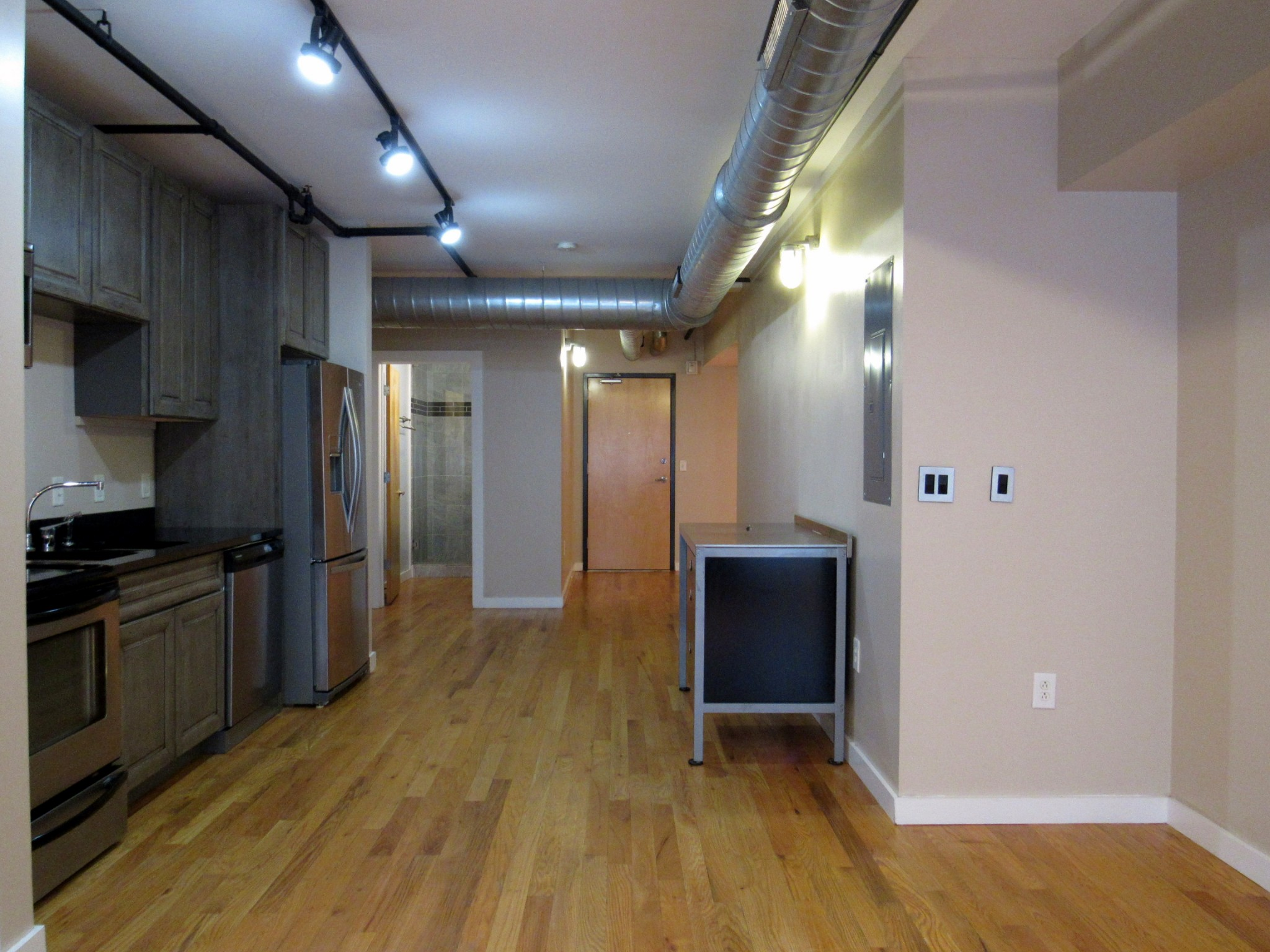 231 5th Ave N 201