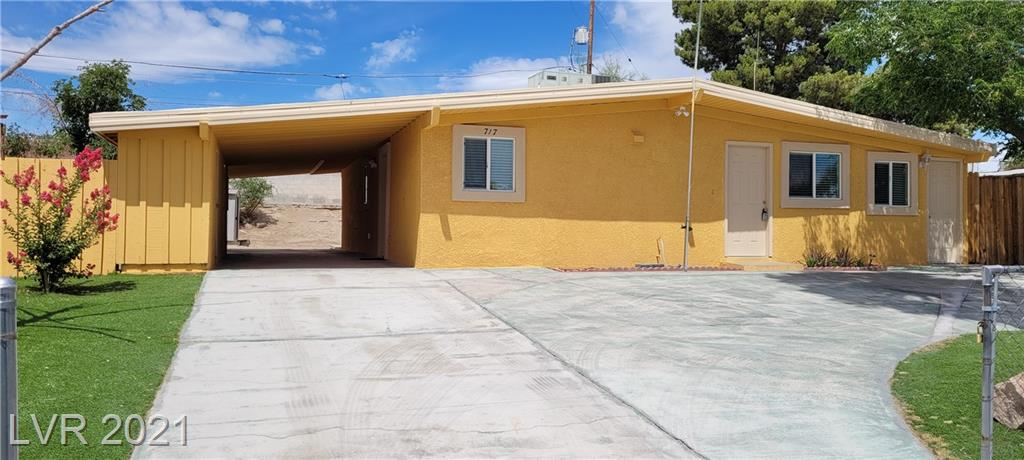 A DIAMOND IN THE ROUGH WITHIN THE CITY LIMITS. CENTRALLY LOCATED, CLOSE TO DOWNTOWN AND MINITUES FROM LAS VEGAS STRIP, VERY CLOSE TO THE HIGH WAYS AND MAJOR ROADS, THE IMMEDIATE AREA PROVIDES MAJOR AMENITIES FOR EVERY FAMILY MEMBER. WELL KNOWN SHOPPING CENTERS AND RESTURANTS ARE APART OF THE IMMEDIATE AREA, SCHOOLS FROM K-1 TO HIGH SCHOOLS, COLLEGES AND TRADE SCHOOLS. OUT DOOR AND INDOOR RECREATIONAL FACILITIES ARE IN CLOSE APPROXIMTY. THE NEIGHBORHOOD MEDICAL OFFICES AND PHRAMACY OUTLETS SET THE AREA APART FROM MOST. IN THE MIDDLE OF IT ALL ARE FRIENDLY NEIGHBORS.