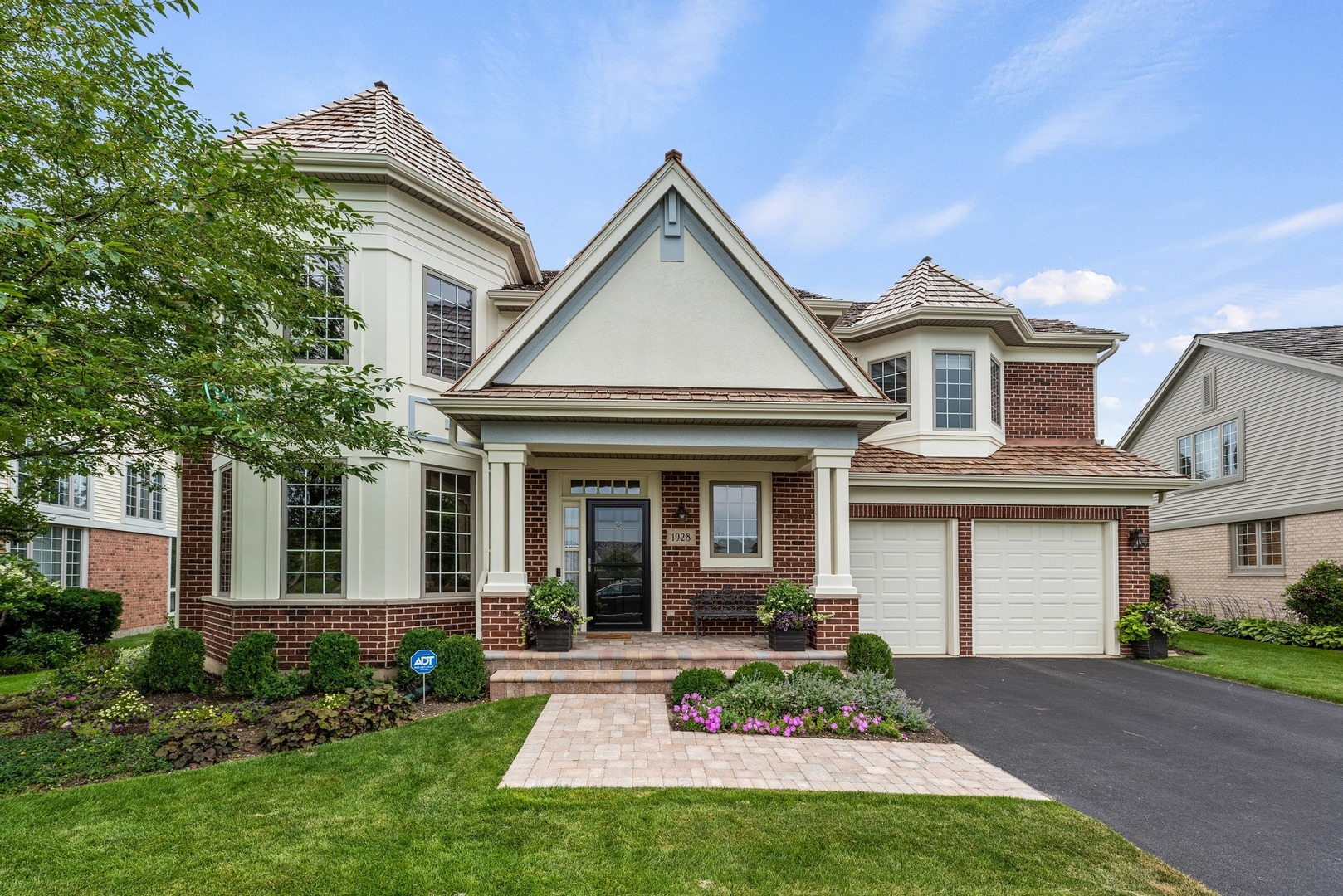 1928 Westleigh Drive, Glenview, IL 60025
