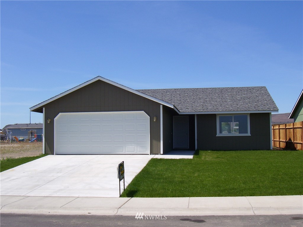 Another quality built home from Olsen Homes.  Four bed, 2 bath new home in outstanding neighborhood.   Front yard sod and UGS.   2-10 Homebuyer's Warranty included.  Photo is of floor plan previously built, actual home may vary.