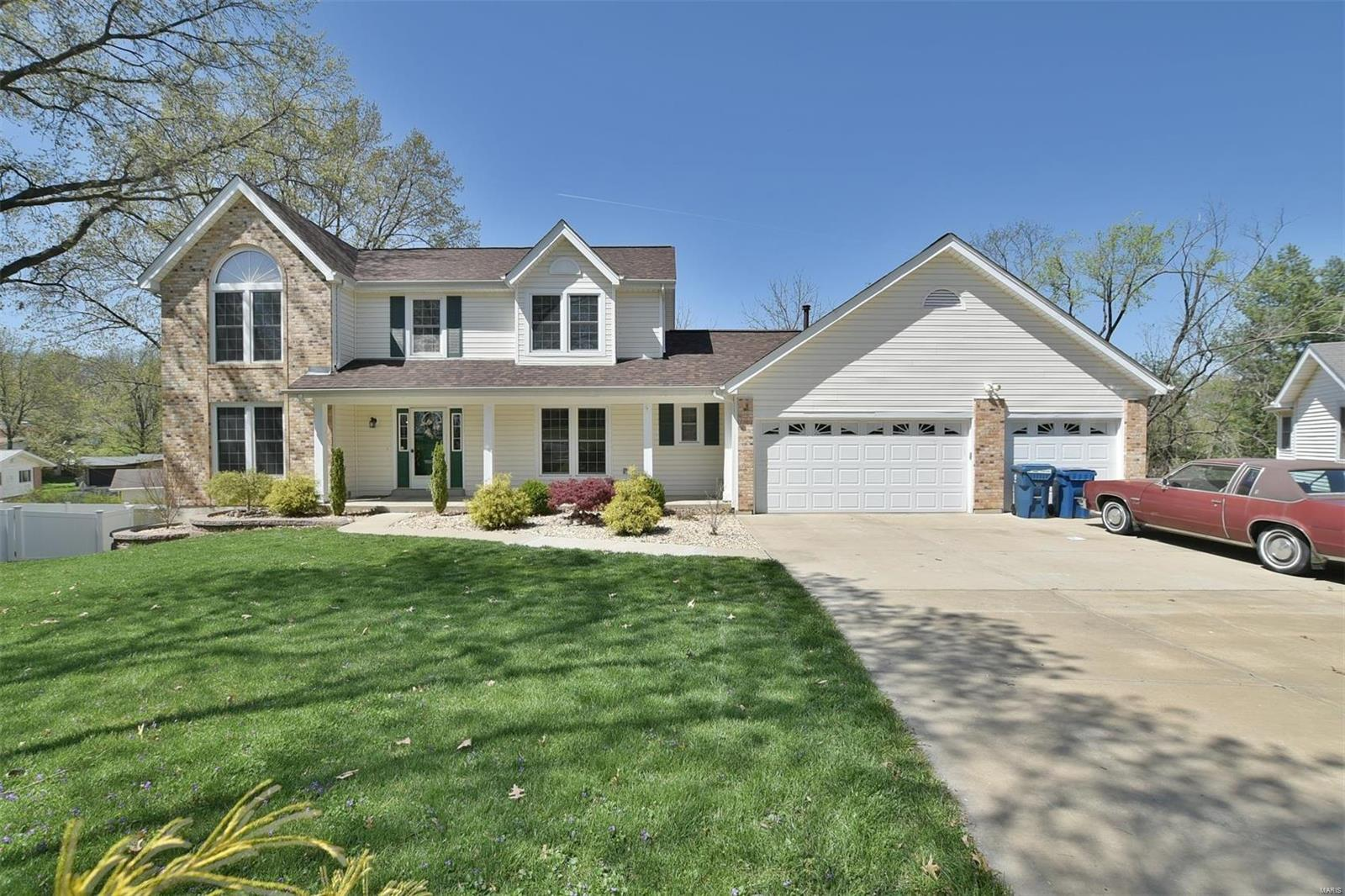 20 Greymore Drive, Chesterfield, MO 63017