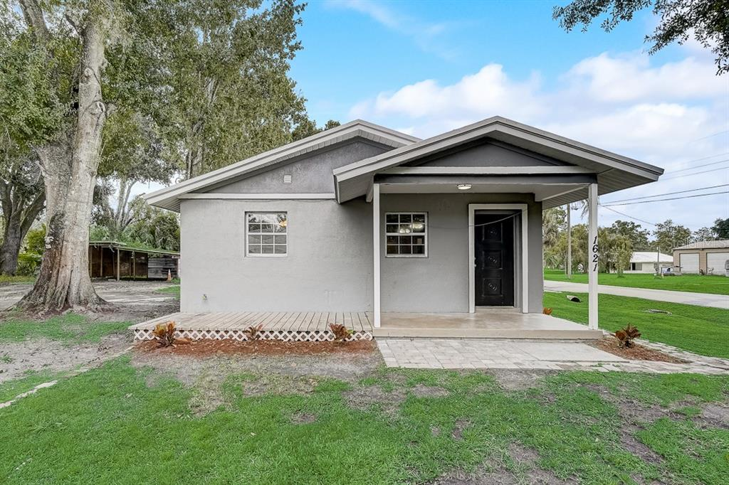1621 Shepherd Lane, Intercession City, FL 33848