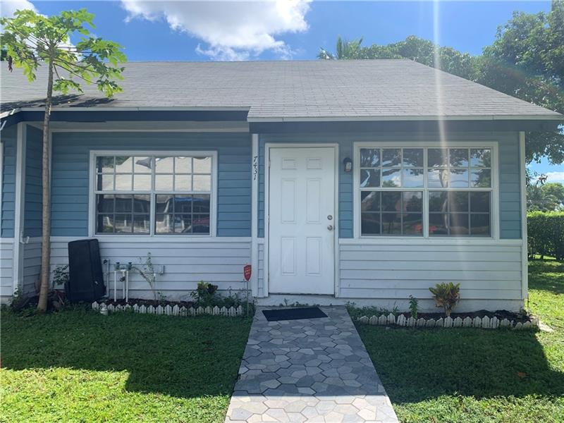 This is a beautiful ready to move in, villa, in the heart of  North Lauderdale area. Conveniently located, close to local shopping areas, parks, and schools, and it's only minutes away from the Sawgrass Expressway,  the Turnpike, and I-95. Tiles through the property. Tenants are on a month to month basis.
