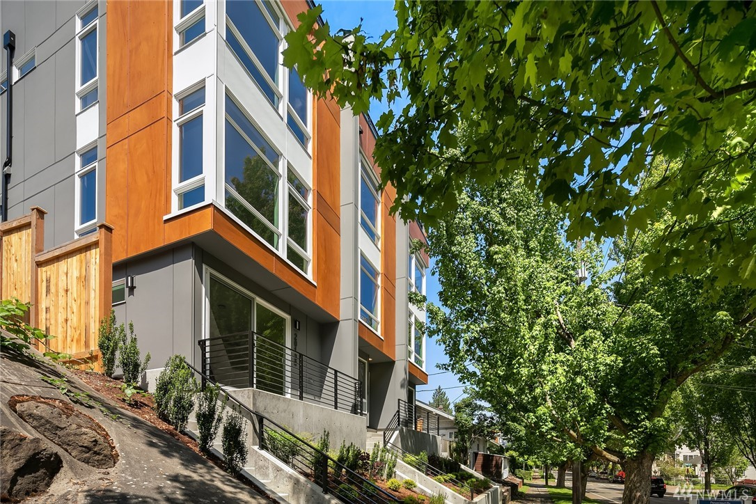 2011 15th Ave S, Seattle, WA 98144