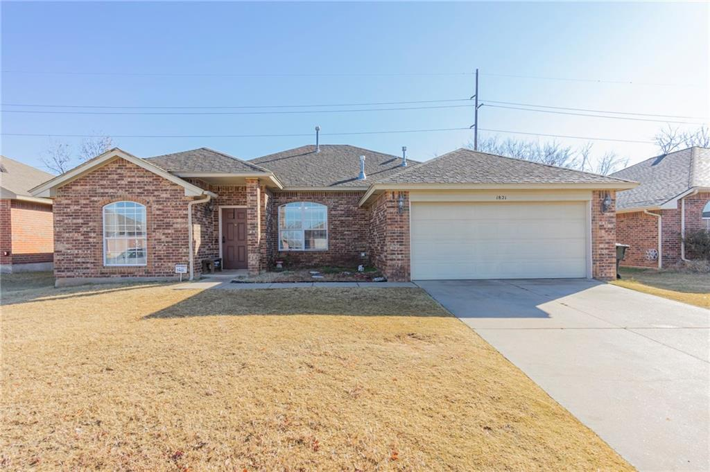 True 4 bedroom , 2 bath home in a great Norman neighborhood. Located approximately 1 mile from OU campus. Open concept floor plan with wood floors, covered patio huge back yard and more. Neighborhood has community park and just minutes away from shopping and dining. Schedule your appointment today.