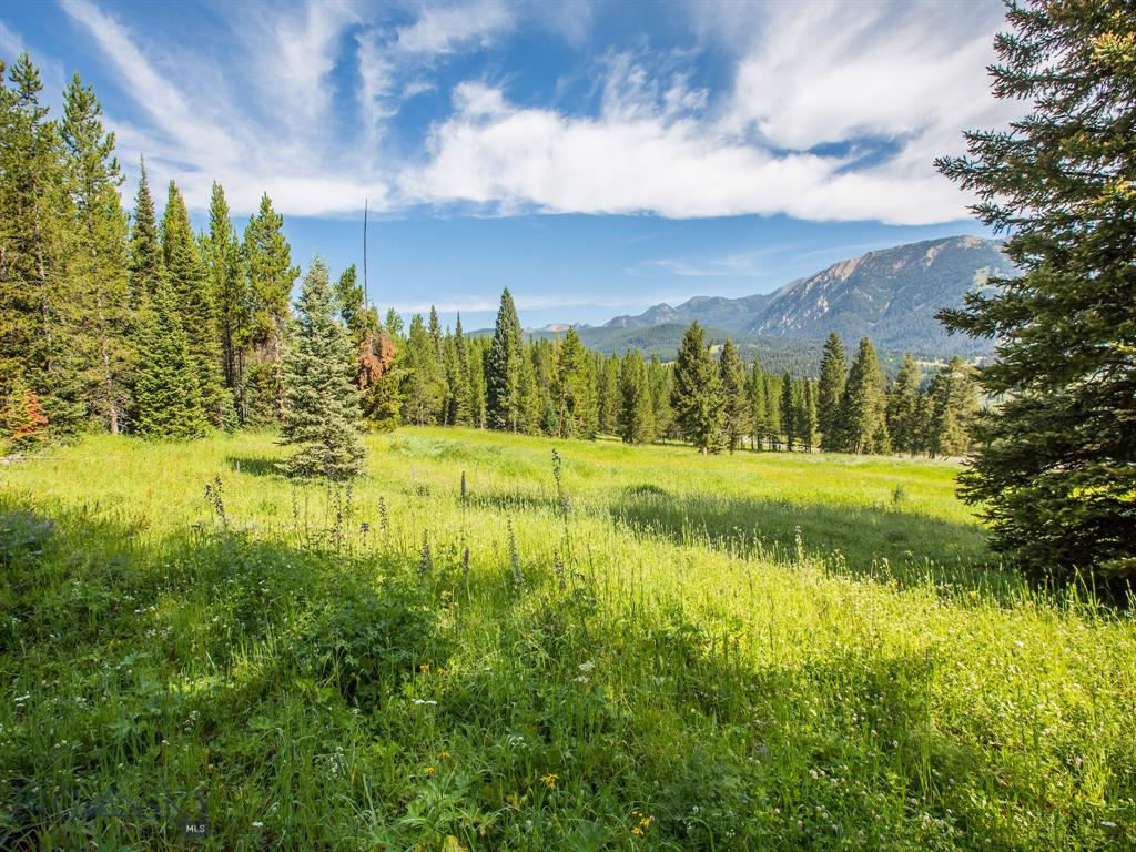 2.85 acres in the beautiful Spanish Peaks North Subdivision. Mountain views of Lone Peak and Spanish Peaks. Enjoy the morning with a cup of coffee while taking in the fresh Montana air and sunrise from the Montana Retreat you create. Convenient access to Big Sky Town Center for amenities and adventure!
