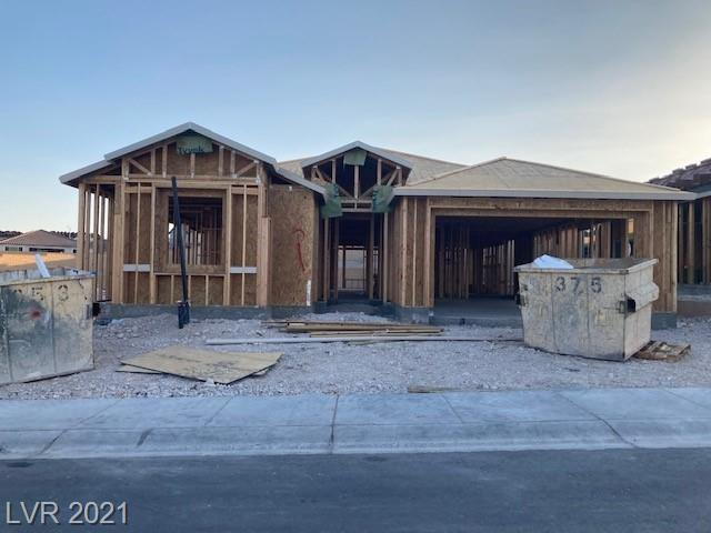 Pulte's most popular Parklane single story floorplan. 3 bedrooms with 2.5 bathrooms and a 3 car tandem garage. Surrounded by all single story homes.