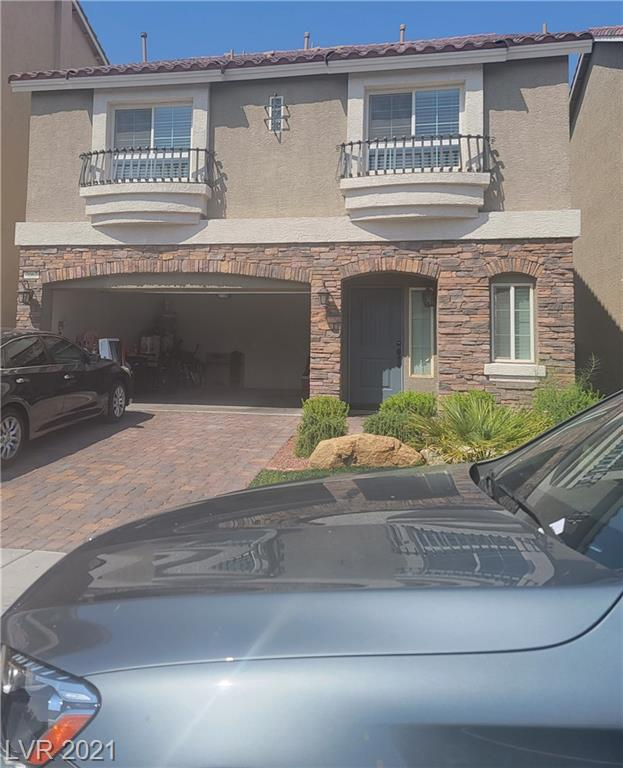 WELL MAINTAINED 4 BEDROOMS 3 LEVELS AMERICAN WEST HOME. CLOSE TO SHOPPING, RESTAURANTS AND MUCH MORE... COVERED PATIO WITH A WELL WELL MAINTAINED BACKYARD COMBINED WITH DESERT/GRAVEL LANDSCAPING AND GREEN PLANTS. REFRIFERATOR, WASHER, DRYER AND MICROWAVE ARE INCLUDED. NICE BACKSPLASH, UPGRADED CABINET AND COUNTER TOPS.