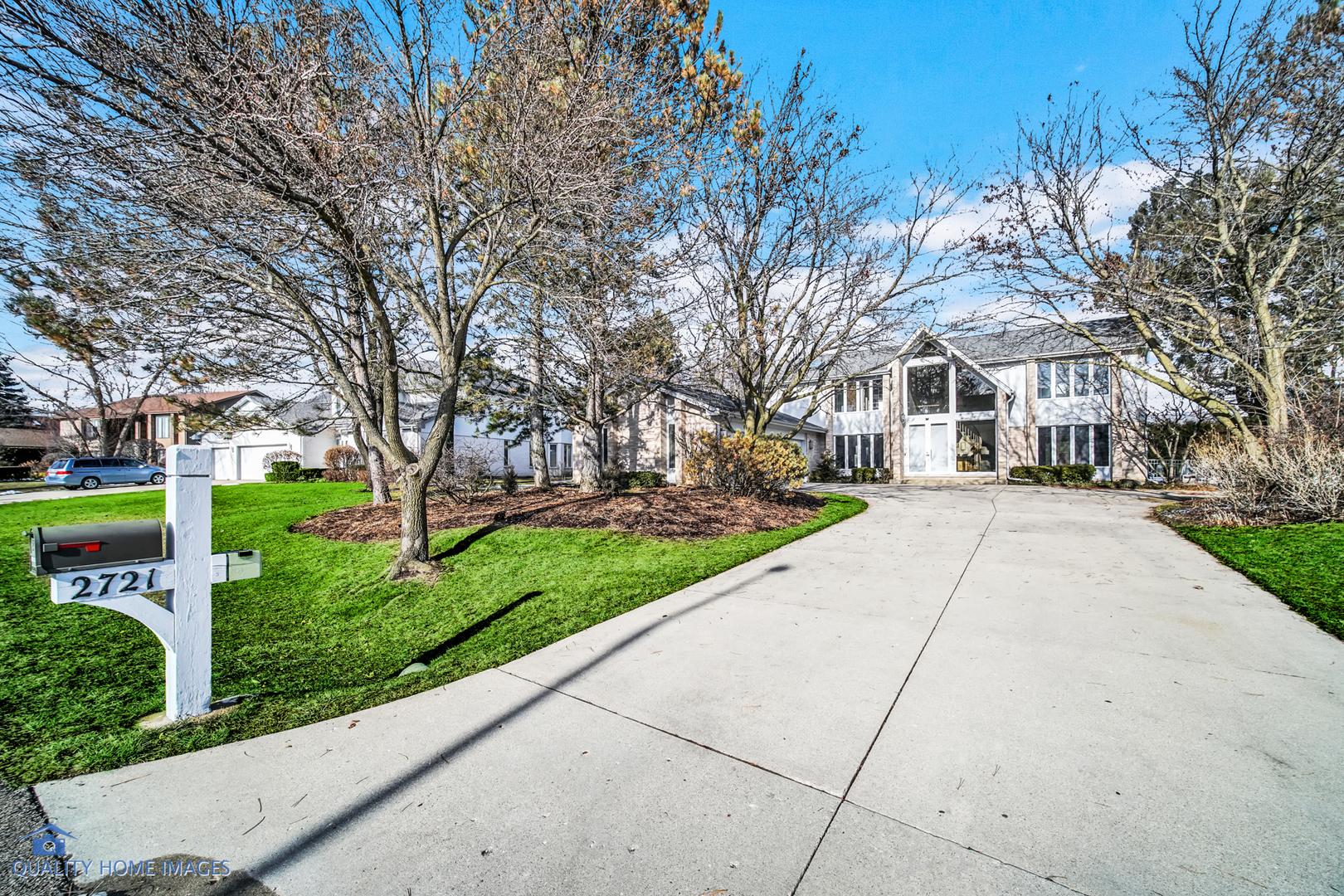 2721 Acacia Terrace, Buffalo Grove, IL 60089