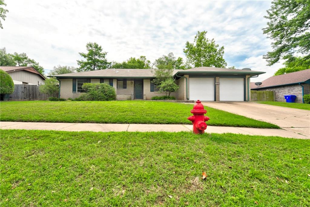 LOCATION! This home is the best of both worlds being so near I-35, and the campus of the University of Oklahoma. Beautiful kitchen remodel with stunning new, stainless steel appliances. Lots of character in this one. 4 bedrooms, 3 living areas! Updated flooring throughout. Sun room with TONS of natural light. Established neighborhood. Backyard has large, mature trees, with a HUGE covered patio. MUST SEE!