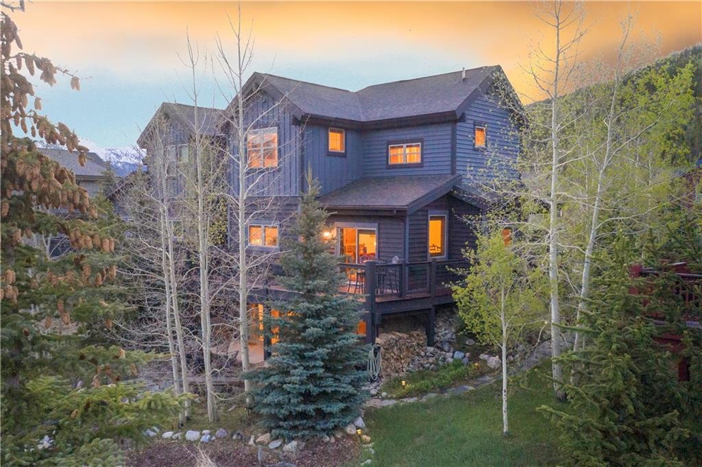 Staggering view of Breckenridge Ski Resort from this, 3-bed, 4-bath plus bonus room duplex. Two fireplaces, 2 living rooms and a spacious walk-out basement family room with wet bar. Great rental potential with the ability to convert lower level into a lock-off. Only 0.75 miles to the Main Street. On the free bus route and a walking path out your back door. Close to skiing, hiking and biking. Enjoy the evenings on your patio by the fire pit and French Creek. Huge oversized 2-car attached garage.