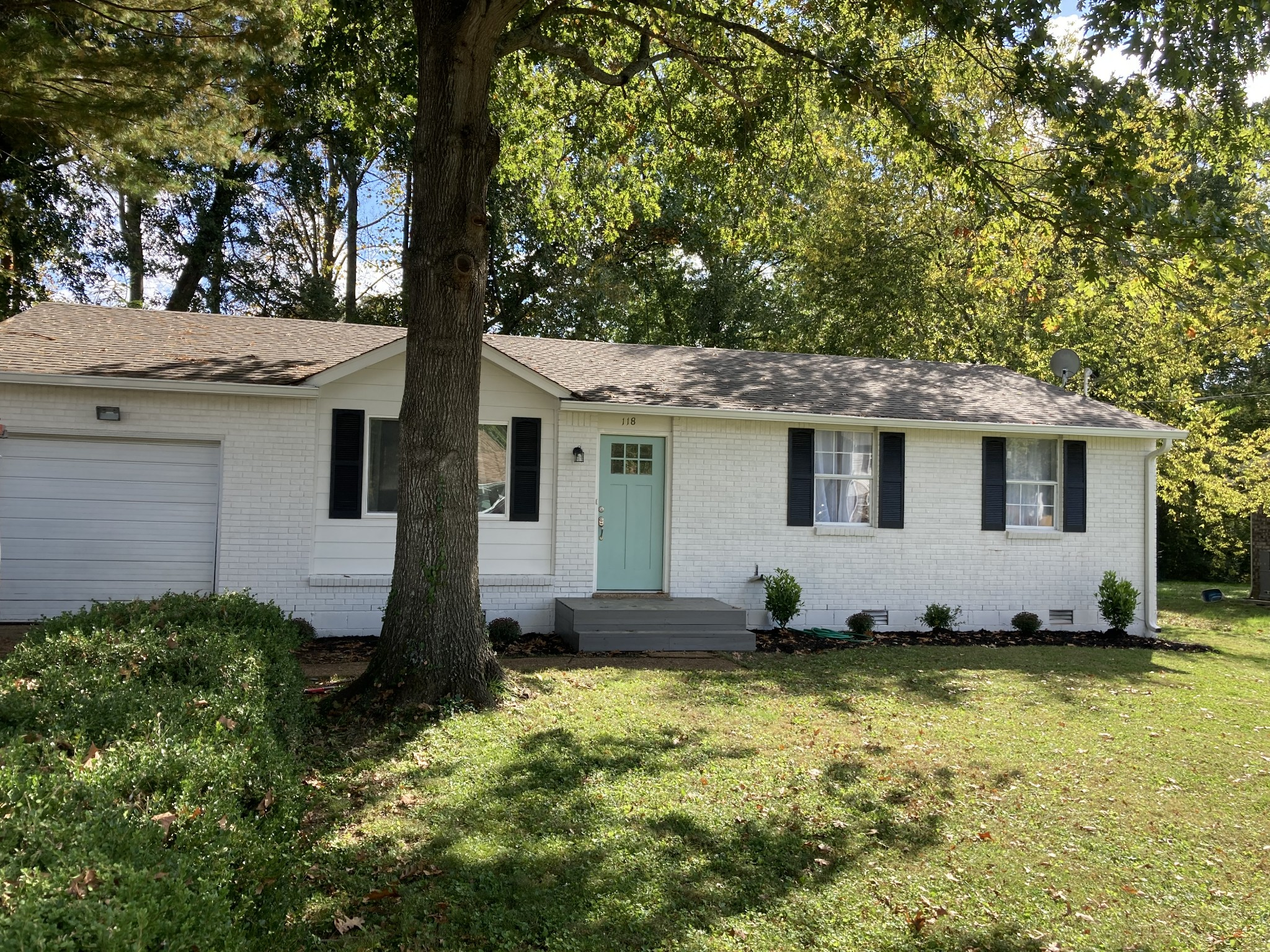 Charming ranch in Franklin for under $300k. Fully rehabbed and move in condition. New kitchen, bath, flooring, and roof. Also, 1 car garage. Great location.
