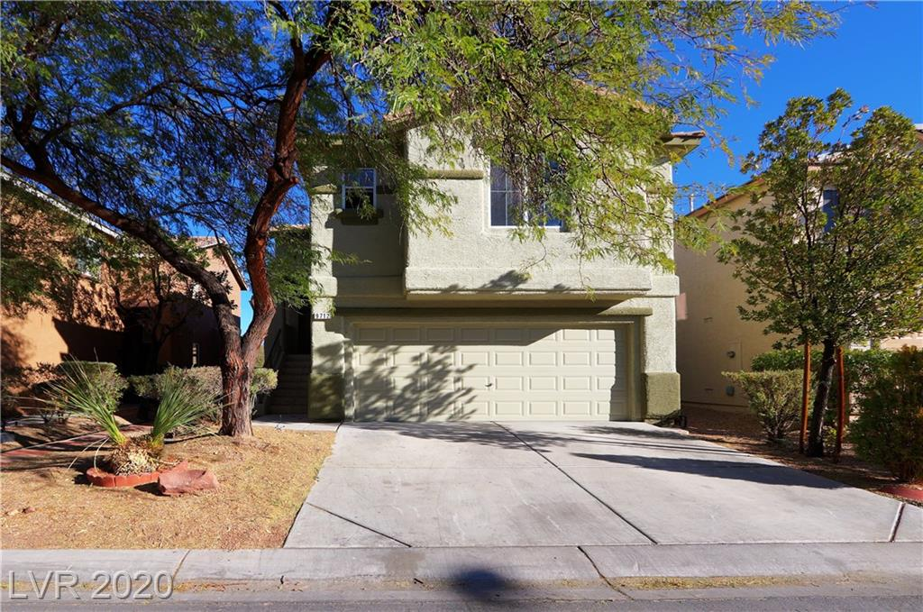 THIS BEAUTIFUL HOME IS MOVE IN READY, OPEN KITCHEN PLAN WITH STAINLESS STEEL APPLIANCES, FRESH PAINT AND OPEN FLOOR PLAN UPSTAIRS.  BEAUTIFUL BALCONY.  COZY FAMILY ROOM DOWNSTAIRS WITH A FULLY LANDSCAPED BACKYARD WITH A COVERED PATIO.  SPLIT LEVEL IS GREAT FOR A GROWING FAMILY.  HURRY, WON'T LAST!