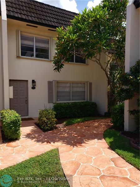 """BEAUTIFUL 3X2.5 BATH AND COMPLETELY REMODEL. WATER VIEW, LARGE MASTER BEDROOM WITH  BALCONY OVERLOOKING CANAL  NEW STAIN STEEL APPLIENCES, GRANITE COUNTERS. COMMUNITY POOL.GOOD DISTRICT SCHOOLS.  SMALL PET WALKING DISTANCE TO """"THE WALK"""", RESTAURANTS, LIBRARY. HOA FEE INC ROOF/EXTERIOR INSURANCE/WASTE/WATER/COMMON AREAS/POOL."""