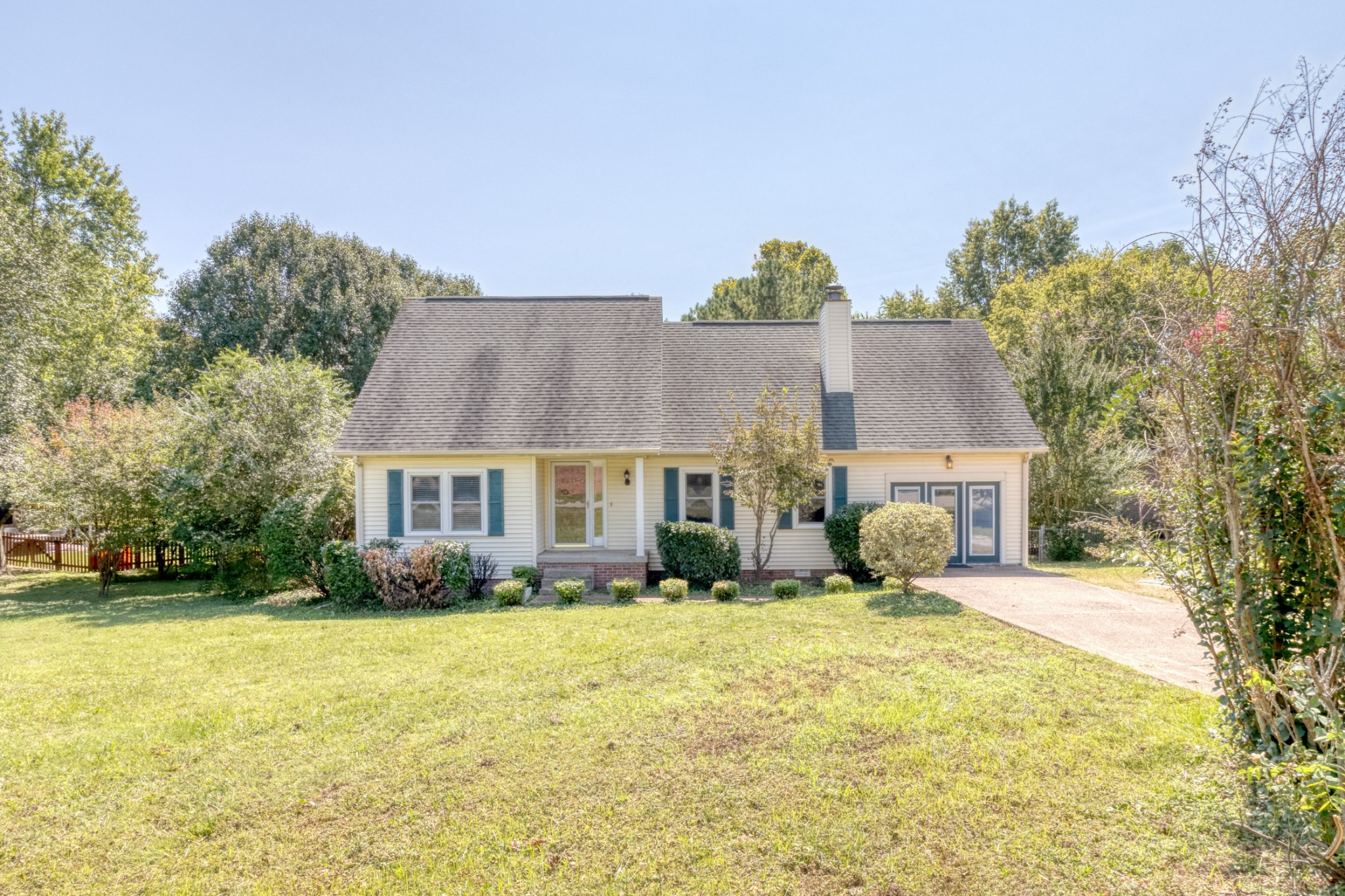 Charming 4 bedroom, 2 bathroom home in Riverview Park just minutes from Historic Downtown Franklin! This home features a large fenced in backyard, living room with a fireplace, plus two additional living areas! Download the Zillow app to access home. Search for the home in the app. Click Self Tour to unlock the door.