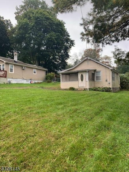 18 Outlook Ave, Mount Olive Twp., NJ 07828