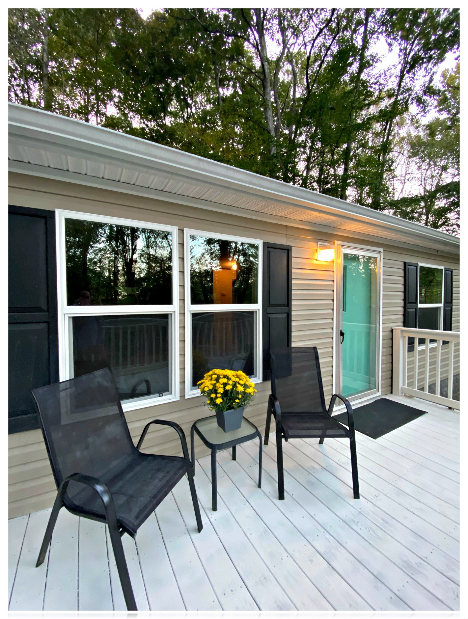 MANUFACTURED HOME ON PERMANENT FOUNDATION * BEAUTIFUL LOT WITH CREEK & PRIVACY GALORE! * 3 BR/2 FULL BATH * OPEN FLOOR PLAN * CUSTOM BUILT ISLAND IN KITCHEN * SOAKING TUB IN MASTER * WALK-IN CLOSETS * GREAT FRONT DECK OVERLOOKING NATURE