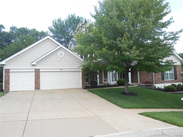 221 Turnberry Place Drive, Wildwood, MO 63011