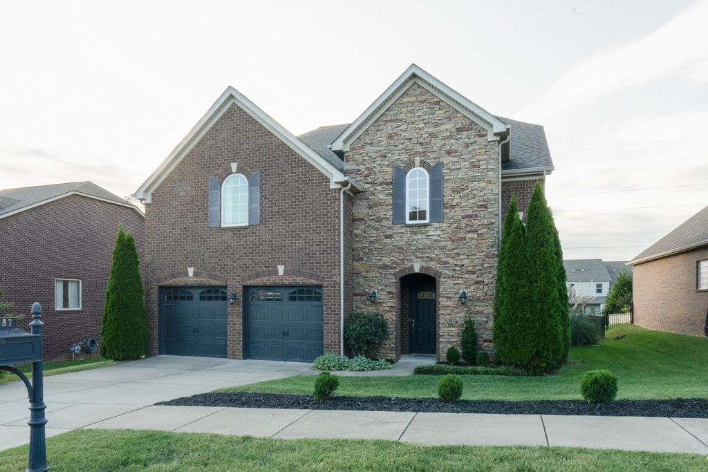 Beautiful home in Canterbury Subdivision - Full brick open floor plan with high ceilings in living room. Master down, 3 bedrooms with flex room and large bonus room upstairs. Enclosed patio with in-ground pool and fenced backyard that backs up to common space. Downstairs HVAC less than 1 year old. Pool is approximately 3 years old.