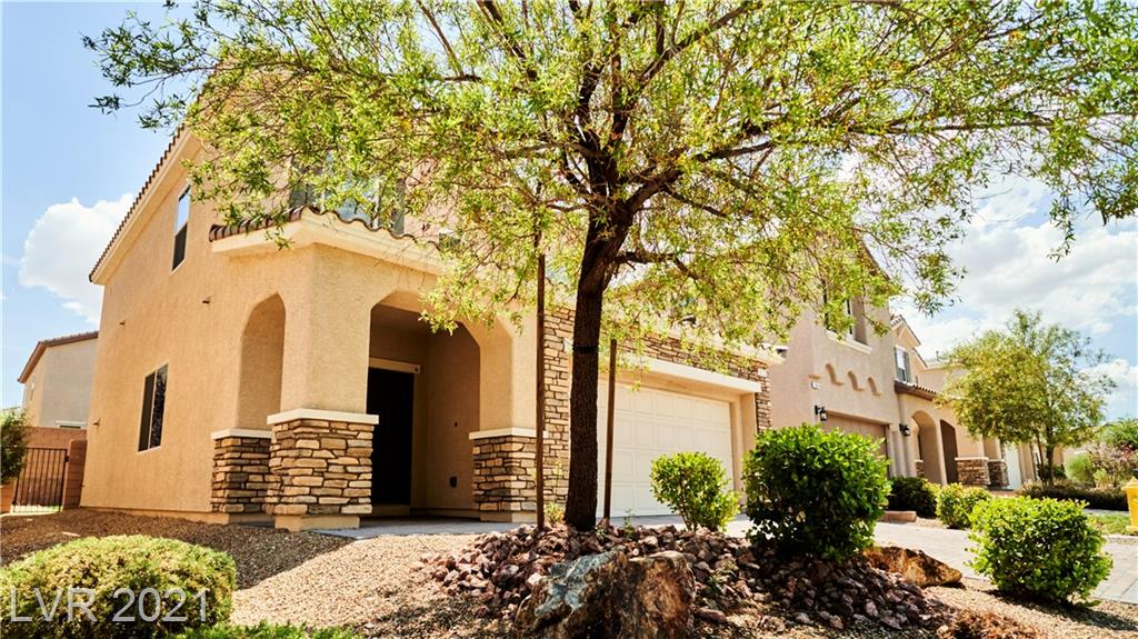 Located in desirable Rhodes Ranch gated community, a starling two stories with functional/semi open floor plan.  Easy maintenance front and backyard with covered patio provide shade for backyard activity.  Vast amenities is provided by the Rhodes Ranch Community, indoor basketball court, exercise rooms, community pool, and many more.  Close proximity to shopping and major freeway for ease of access.