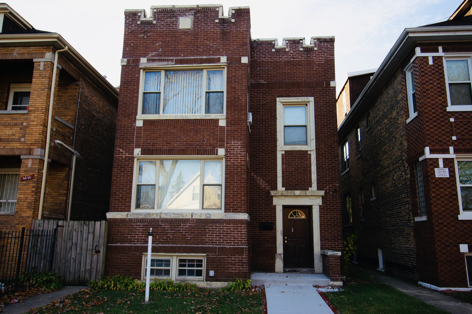 6806 S Rockwell Street, Chicago, IL 60629