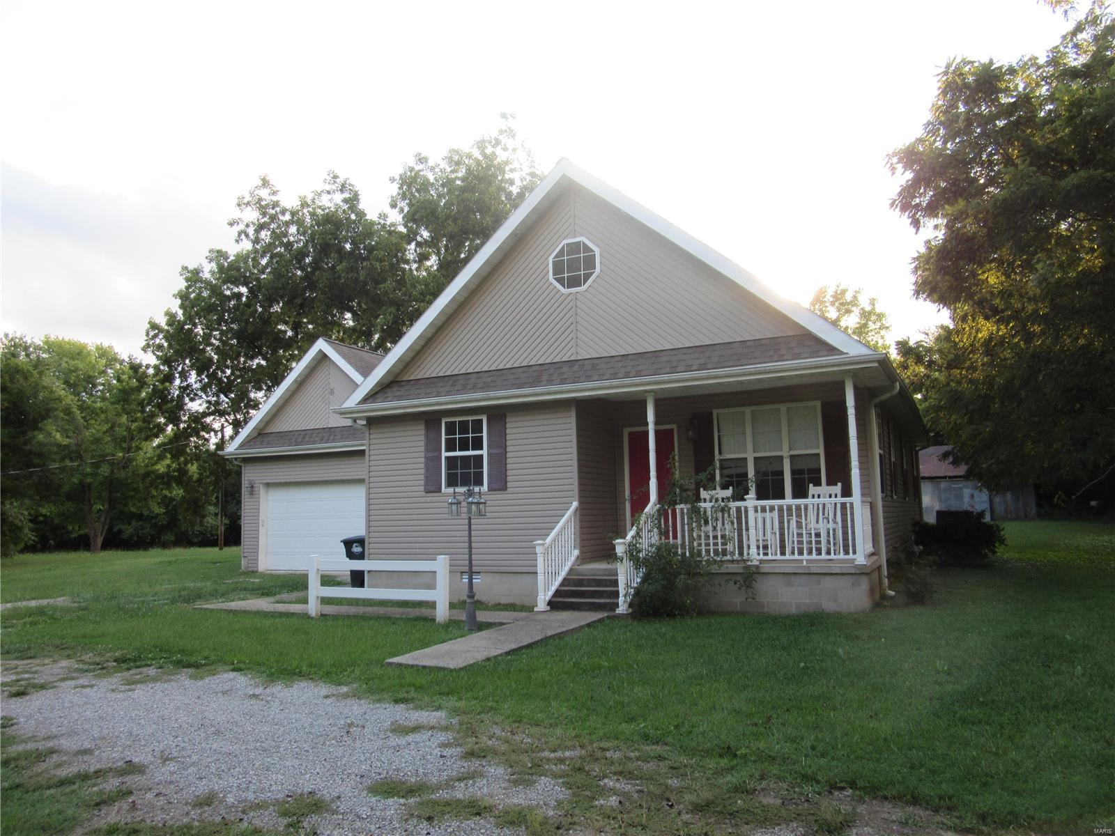 303 Woodlawn Dr., Campbell, MO 63933