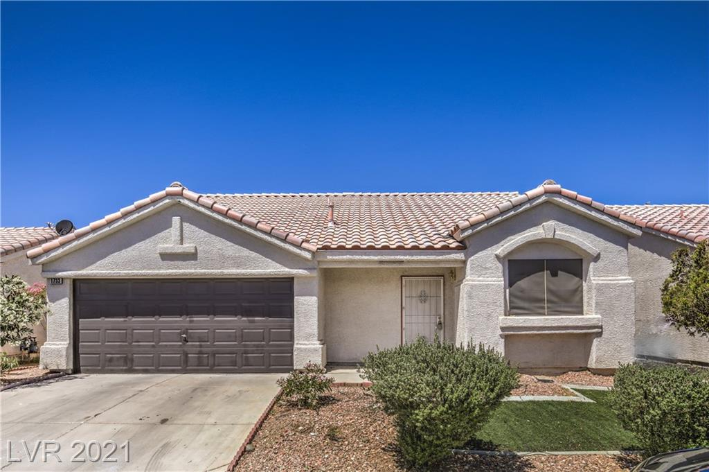 BOM!!BEAUTIFUL REMODEL AND UNDER $300k! A single story gem with open floor plan and vaulted ceilings. Covered patio. No HOA. Won't last long!