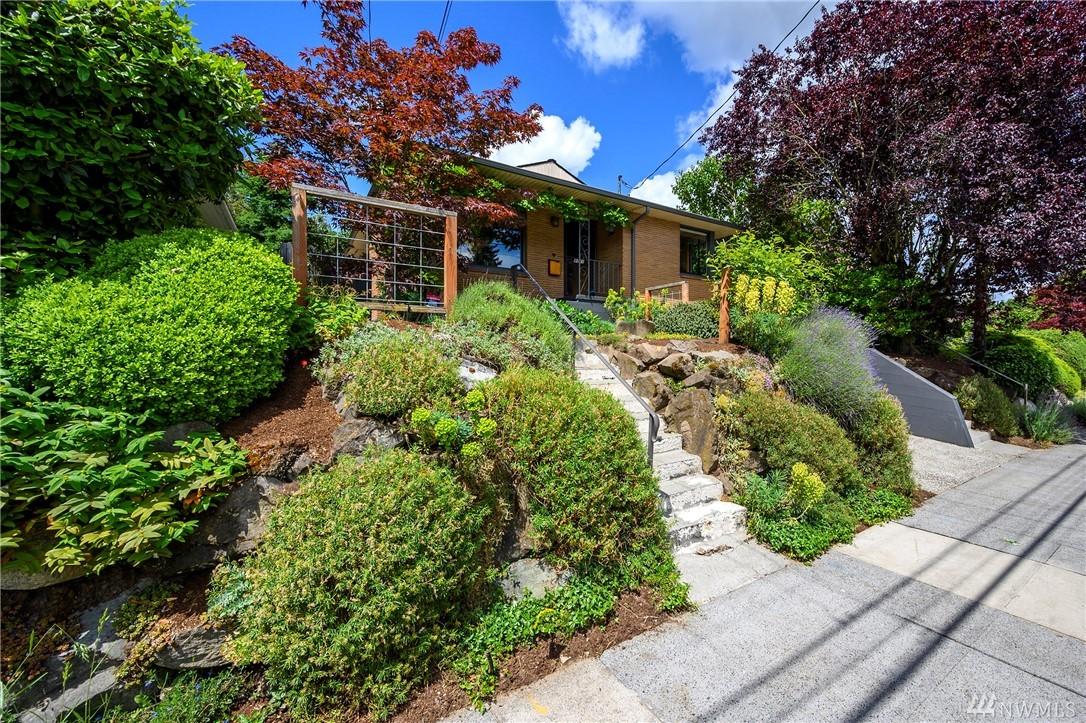 8031 20th Ave NE, Seattle, WA 98115