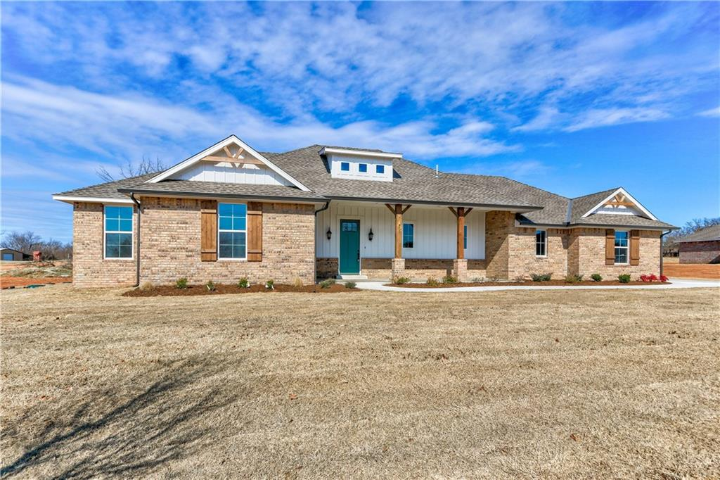 Brand new quality built home on approx. 1 acre lot. Great proximity to I-35. 4 beds 3 full baths, open living/kitchen combination. Wood look tile throughout the majority of the main living areas. Living features a vaulted cathedral ceiling, ceiling fan and fireplace. Kitchen has a spacious island/breakfast bar, walk-in pantry and lots of cabinets. Master suite is separate and features a beautiful tub, walk-in shower, double vanities and large walk-in closet with built-ins. 2 other beds share a nice jack-n-jill bath and the 4th bed has en-suite access to the 3rd bath and that bath also has hall access and serves as guest bath. Wonderful curb appeal with spacious front porch. Covered back patio.