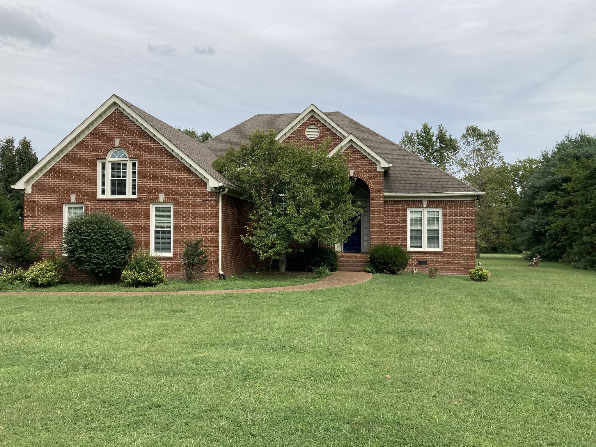 This home is desirably located a mile from I-65 and across the street from all of the shopping and dining at the newly developed Berry Farms. Zoned for Oak View Elementary!!! Cathedral Ceiling off Breakfast Room, Lots of Light, Tranquil View.  Solid Hardwood Floors.Large Back Deck. Nest Thermostat.  Heat and Air Replaced 10 yrs ago.  New Carpet & Paint Being Done Currently.
