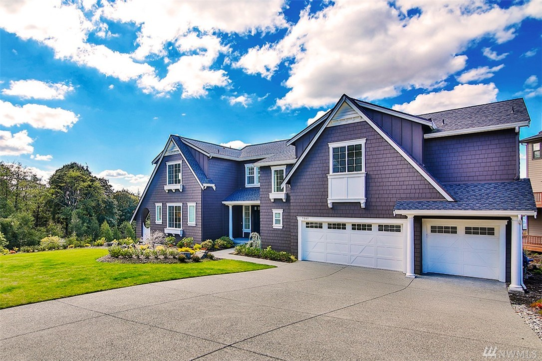 BRAND NEW! Never moved-in remarkable sunset view home in Belvedere on Cougar Mountain. Panoramic views of Seattle, Lk Wa, Olympics & Golf Course from every angle. Pristine condition w/ immaculate finishes. Sun-drenched 2-story Great Room w/ full height stone fireplace. Espresso hardwoods, sophisticated mill-work, TWO chef's kitchens w/custom cabinets + high-end appliances. Spacious floor plan w/7 beds (include Master + 1st floor guest suites), 4.5 bath + 3-car garage. Excellent Issaquah schools!