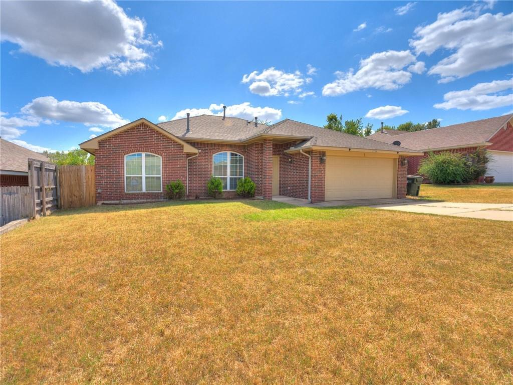 Great MIL plan close to OU with new wood-look vinyl in the public areas and new carpet in the bedrooms and fresh paint throughout! Corner fireplace and great kitchen with lots of storage! The Master bedroom has a  very large walk-in closet and double sinks in the Master Bath. Don't miss out on this gem!