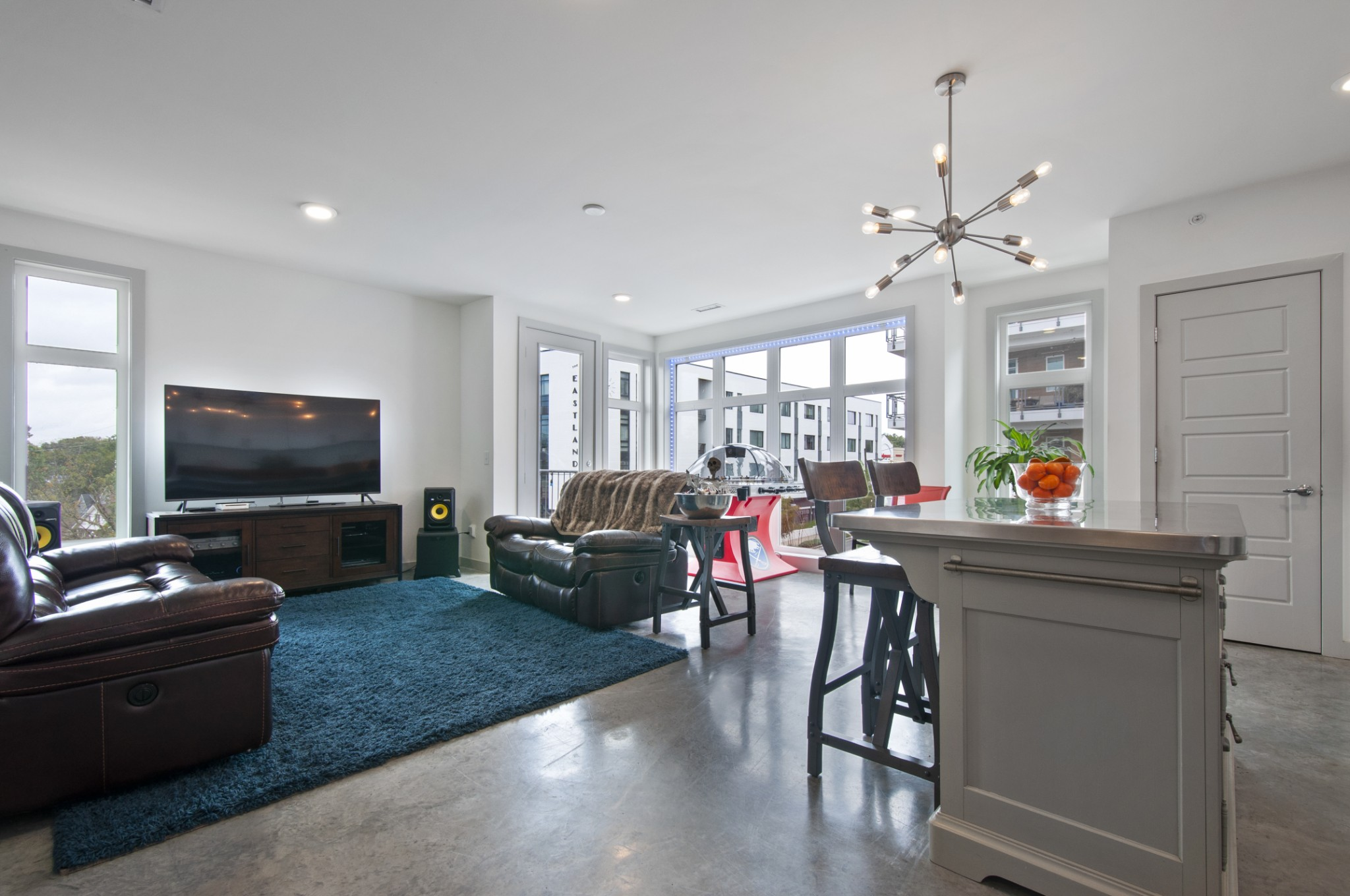 Gorgeous top floor condo with a view! Spacious and spectacular! Here's your chance to own a like new unit in the heart of East Nashville.
